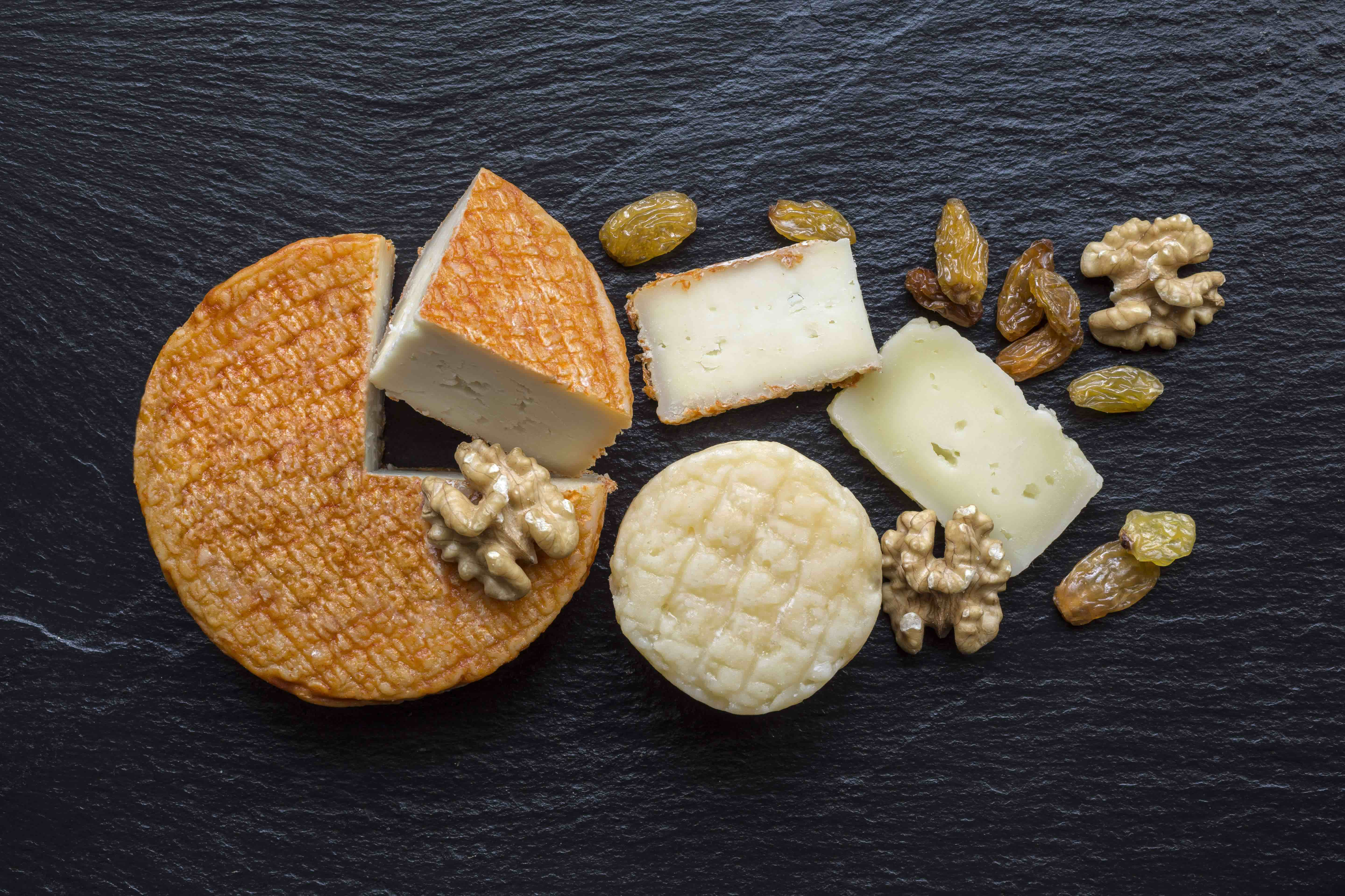 Vegan cheese: perfect holiday gift for vegan foodies